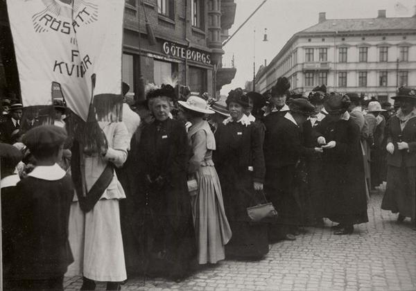 Demonstrationstaag foer kvinnoroestraetten  Goeteborg   Nordiska Museet   NMA 0032617